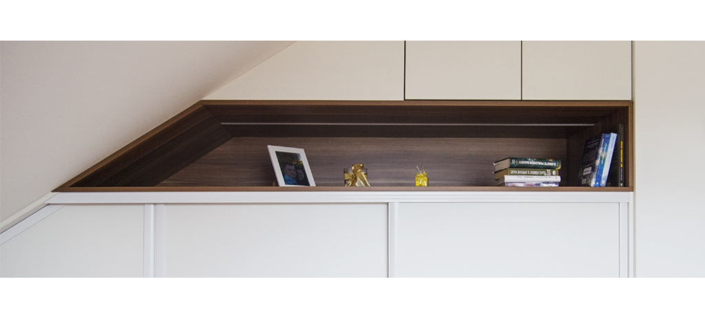 podkrovní skříň-polodetail